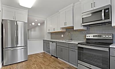 Kitchen, 16 Bouton St E 8, 0