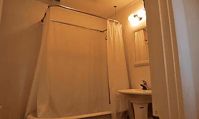 Bathroom, 133 Prall St, 2