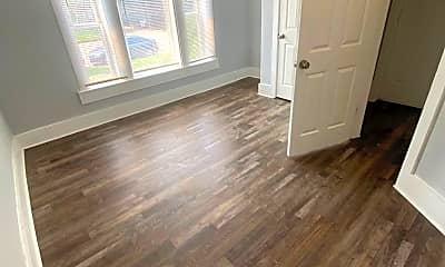 Living Room, 2435 Portland Ave, 2