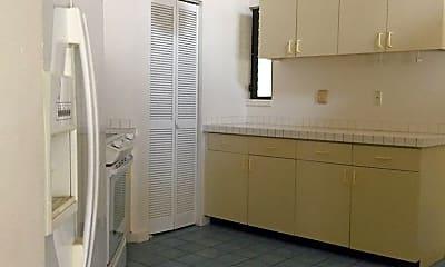 Bathroom, 297 Kipukai Pl, 1
