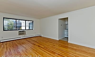 Living Room, 1022-24 W CATALPA AVE, 1