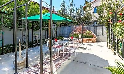 Patio / Deck, 634 W Sierra Madre Blvd, 2