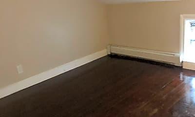 Living Room, 122 Juniper St, 2