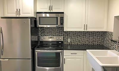 Kitchen, 3828 N 34th St, 1
