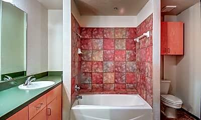 Bathroom, Paramount Waco, 2