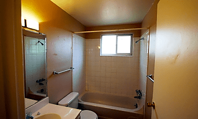 Bathroom, 961 N Clarkson St, 2