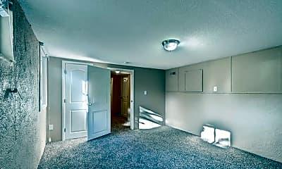 Living Room, 7 S Grant St, 2