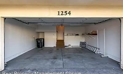 Living Room, 1254 Engracia Ave, 2