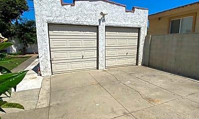 Building, 2686 Daisy Ave, 2