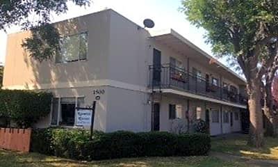 Building, 1500 S Claremont St, 0