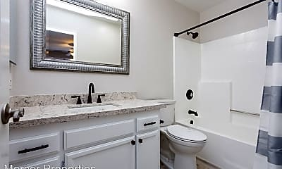 Bathroom, 4163 Cleveland Ave, 2