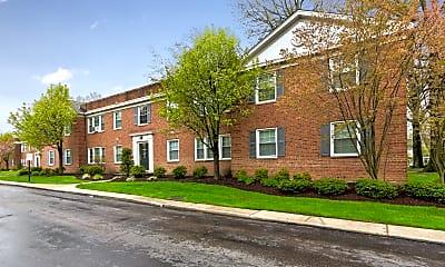 Building, Shaker Crossing Apartments, 0