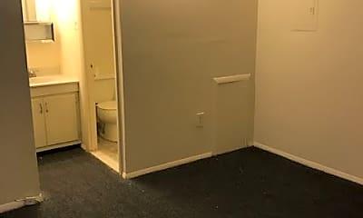 Bathroom, 330 Bainbridge St, 2