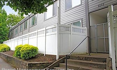 9222 N Lombard St  Metropolitan North Apartments, 0