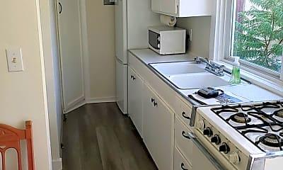 Kitchen, 1018 Iowa Ave, 2