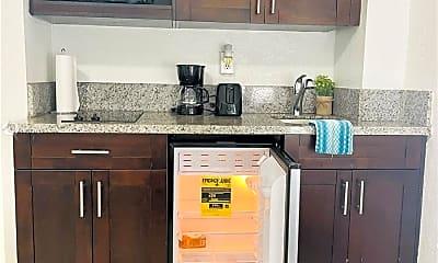 Kitchen, 101 N Ocean Dr 523, 1