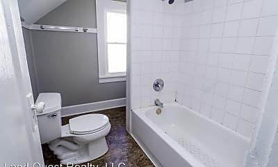 Bathroom, 2028 Franklin St, 1