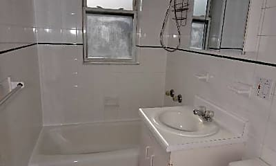 Bathroom, 39-51 47th St, 2