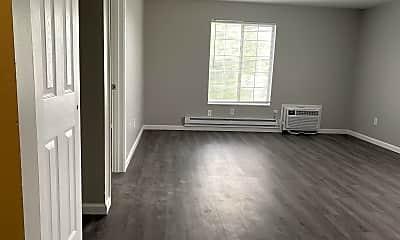 Living Room, 325 Bellbrook Ave, 1