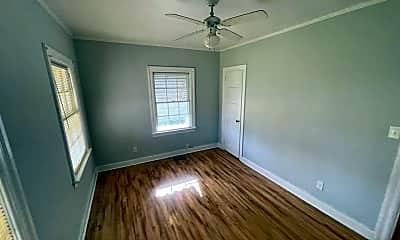 Living Room, 108 N Fairview Cir, 2