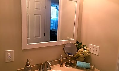 Bathroom, 179 Belmont St, 1