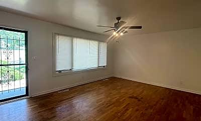 Living Room, 3000 E Lolo Trail, 1