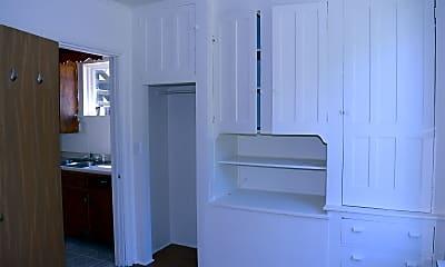 Bathroom, 434 S Massey St, 2