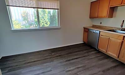 Kitchen, 701 S Kenyon St, 2