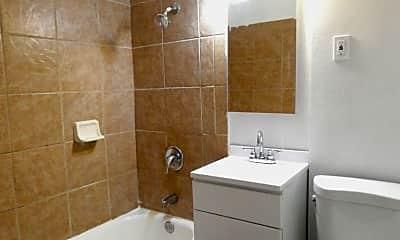 Bathroom, 2165 Earl Ave, 2