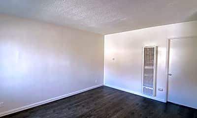Living Room, 3921 Center St, 0