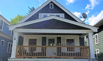 Building, 66 Montrose Ave, 0