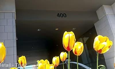 Kitchen, 400 E Locust St, 2