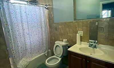 Bathroom, 67 Andrew St, 2
