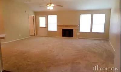 Living Room, 2807 Eagle Nest Ln, 1