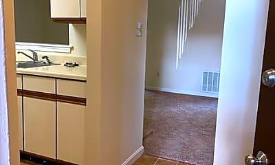 2 bedroom entry.jpg, 800 Thomas Ct Apt 1, 1