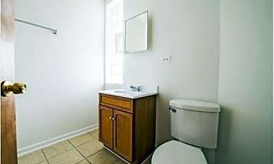 Bathroom, 654 Pine Street, 2