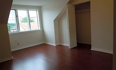 Living Room, 331 S 3rd St, 1