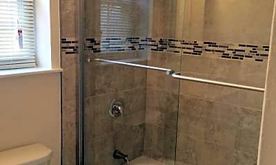 Bathroom, Kings Gardens Apartments, 2