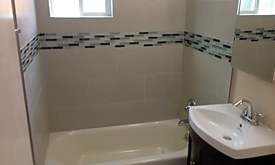 Bathroom, 1025 W Olive Ave, 2