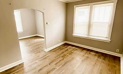 Bedroom, 4360 Fairview Ave, 2
