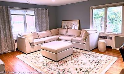 Living Room, 186 Ampere Ave, 1