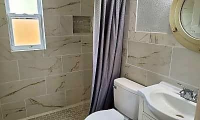 Bathroom, 1319 10th Ave N A, 2