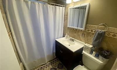 Bathroom, 40 Christabel St, 2