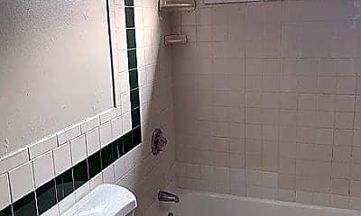 Bathroom, 133 Edgewood St, 2