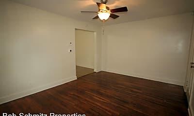 Bedroom, 1309 Clarendon St, 1
