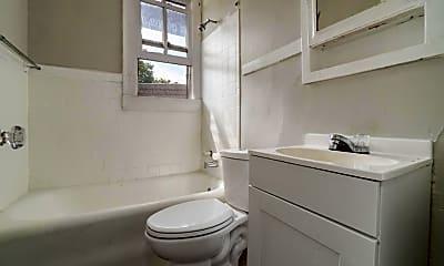 Bathroom, 325 State St 1R, 1