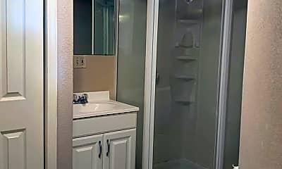 Bathroom, 3237 E Oakland Ave, 2