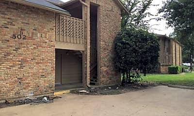 Building, 502 E Denton Dr, 1