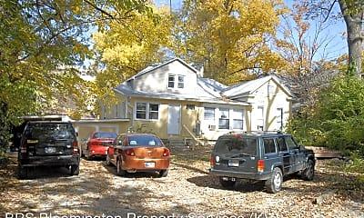 Building, 822 E Hunter Ave, 1