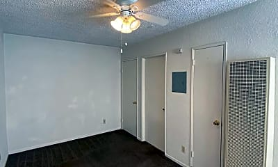 Bedroom, 637 S McDonnell Ave, 1